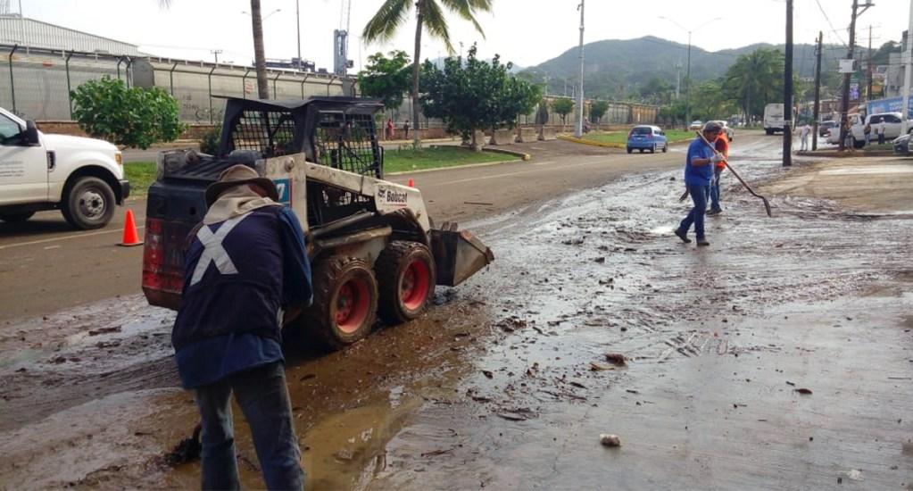 Reanudan clases en Colima tras paso del huracán Lorena - Paso del huracán Lorena por Colima