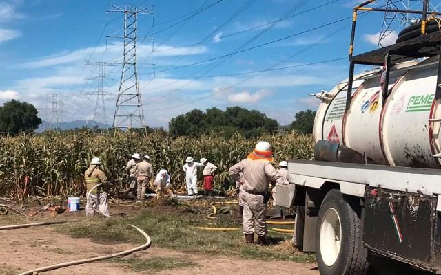 Controlan fuga de combustible en Acolman - controlan de manera parcial fuga de combustible en acolman