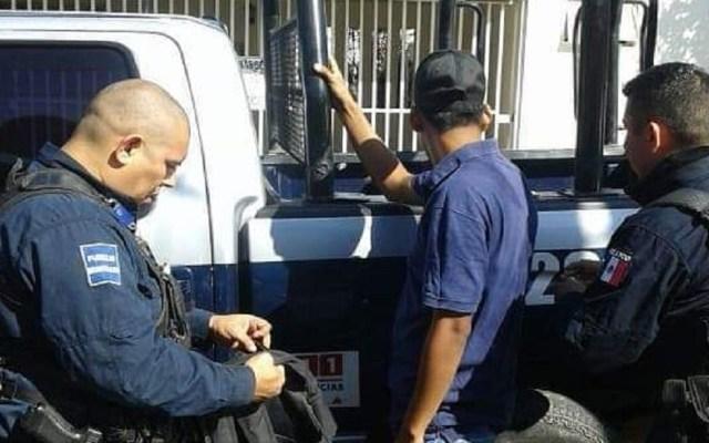 Derechos humanos emite recomendación al ayuntamiento de Mazatlán - Detención de persona por la Policía Municipal de Mazatlán. Foto de @sspytm