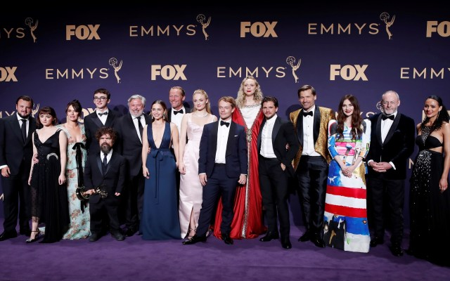 Premios Emmy registran mínimo nivel de audiencia - Elenco de Game of Thrones en los Emmy. Foto de EFE