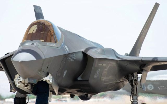 EE.UU. analiza opciones militares contra Irán tras ataque a refinerías - Un F-35A Lightning II en la base aérea Luke Force en Arizona. Foto de US Air Force/Alexander Cook/DVIDS