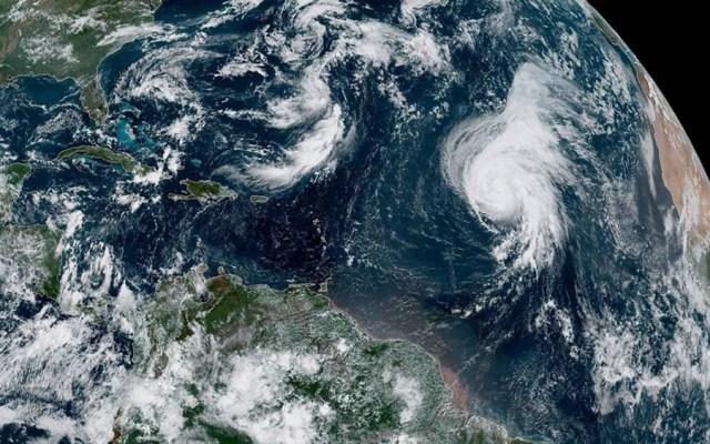Lorenzo se mantiene como huracán mayor en el Atlántico - huracán Lorenzo