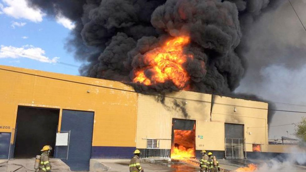 #Video Se incendia bodega de aceites ubicada en la colonia El Granjero de Ciudad Juárez - incendio ciudad Juárez