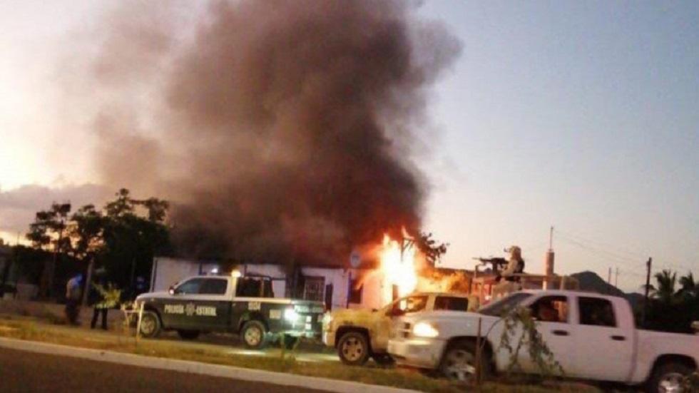 Comando incendia casa con dos niños adentro en Sonora. Noticias en tiempo real