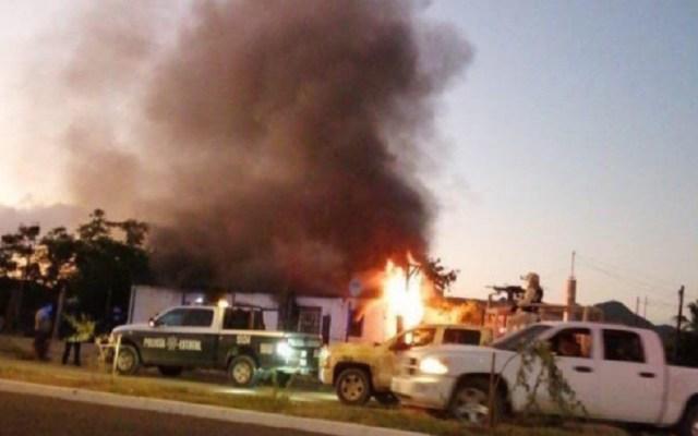 Comando incendia casa con dos niños adentro en Sonora - Incendio de casa en Sonora. Foto de @TelevisaSON