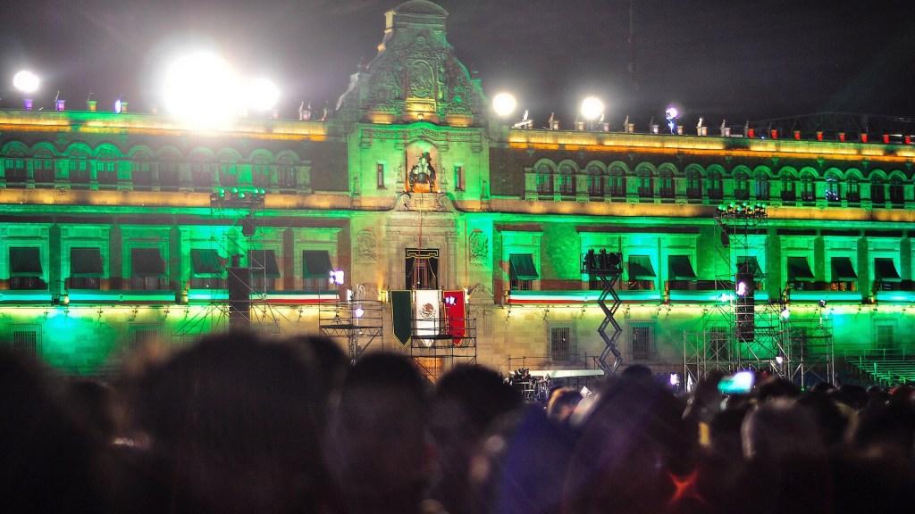 AMLO da su primer Grito de Independencia (En Vivo). Noticias en tiempo real