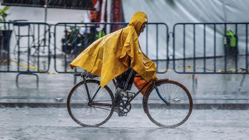 Llueve en gran parte de la Ciudad de México - Lluvia Ciudad de México tormentas lluvias precipitación