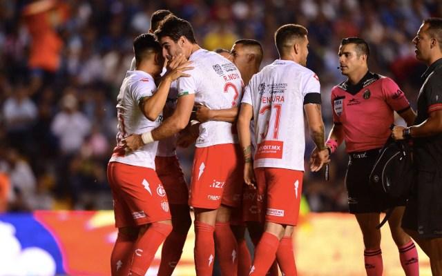 Necaxa vence 2-1 a un inconsistente Querétaro - Necaxa Gallos Querétaro