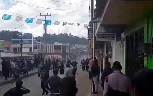 Habitantes de Oxchuc abren tramo carretero tras enfrentamiento - Habitantes de Oxchuc abren tramo carretero tras enfrentamiento