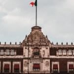 Austeridad de López Obrador ahoga a funcionarios durante pandemia