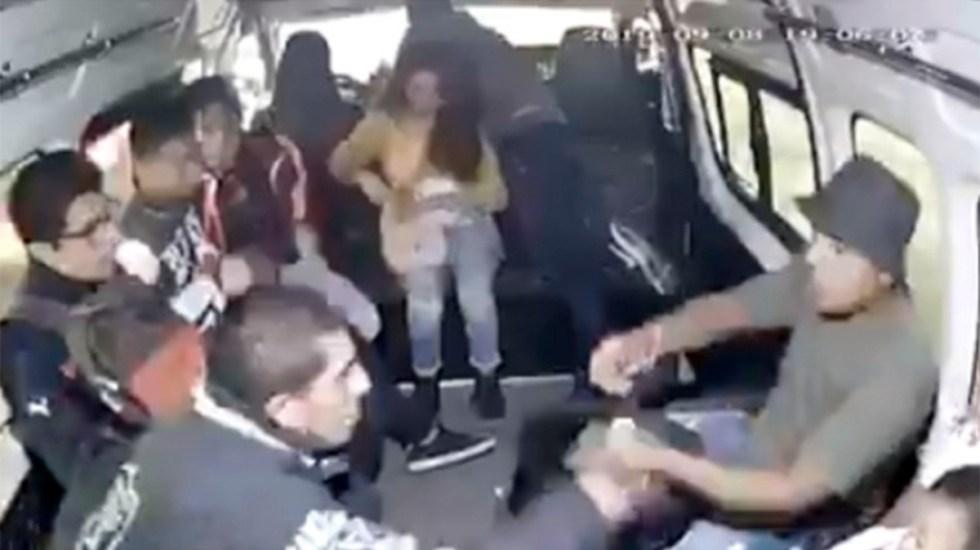 #Video Pasajeros persiguen y detienen a asaltante en Edomex - pasajeros detienen a asaltante de transporte público en edomex