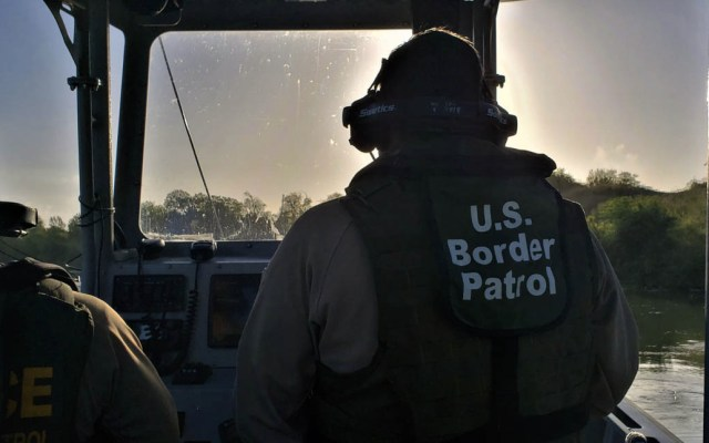 Madre e hijo migrantes mueren al intentar cruzar el río Bravo - Patrulla Fronteriza Río Bravo Río Grande river