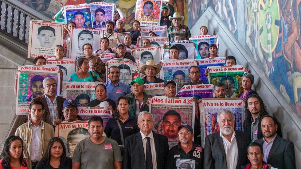 AMLO pide a FGR interceder en fallo de juez tras liberaciones por caso Ayotzinapa. Noticias en tiempo real