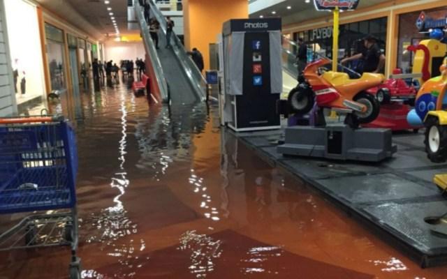 Se inunda Plaza Aragón - Foto de @vanexii
