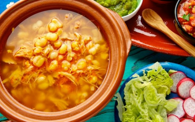 IMSS sugiere cuidar porciones de platillos de fiestas patrias - pozole imss