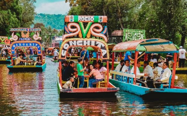 Hombre se ahoga tras caer de trajinera en Xochimilco - Trajinera Xochimilco Ciudad de México