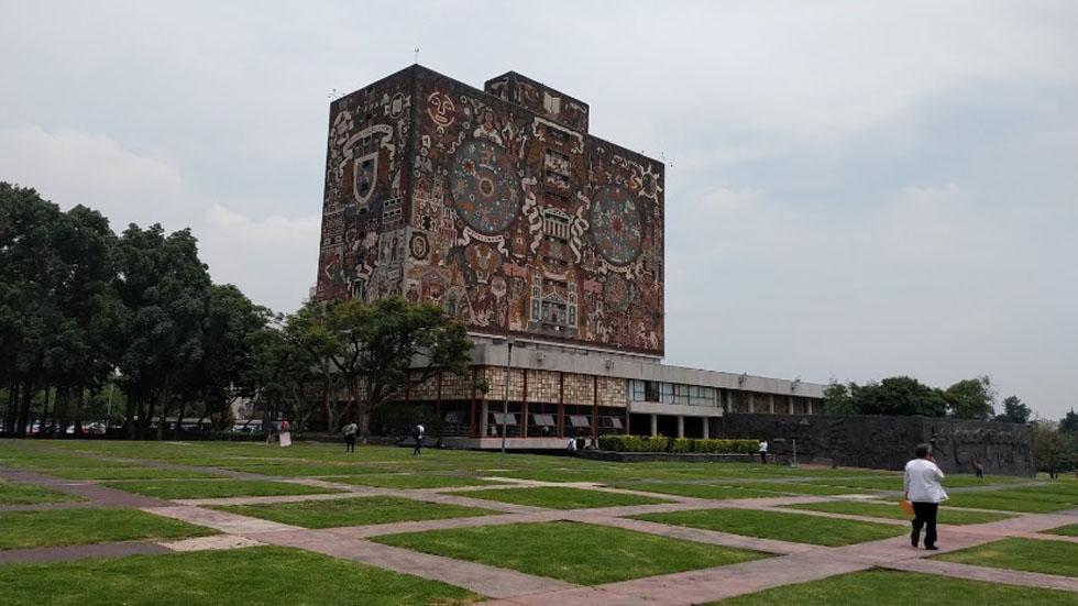 Inician negociaciones salariales entre UNAM y académicos - Vista de la Biblioteca Central de la UNAM. Foto de Google Maps / Raúl Martínez Jiménez