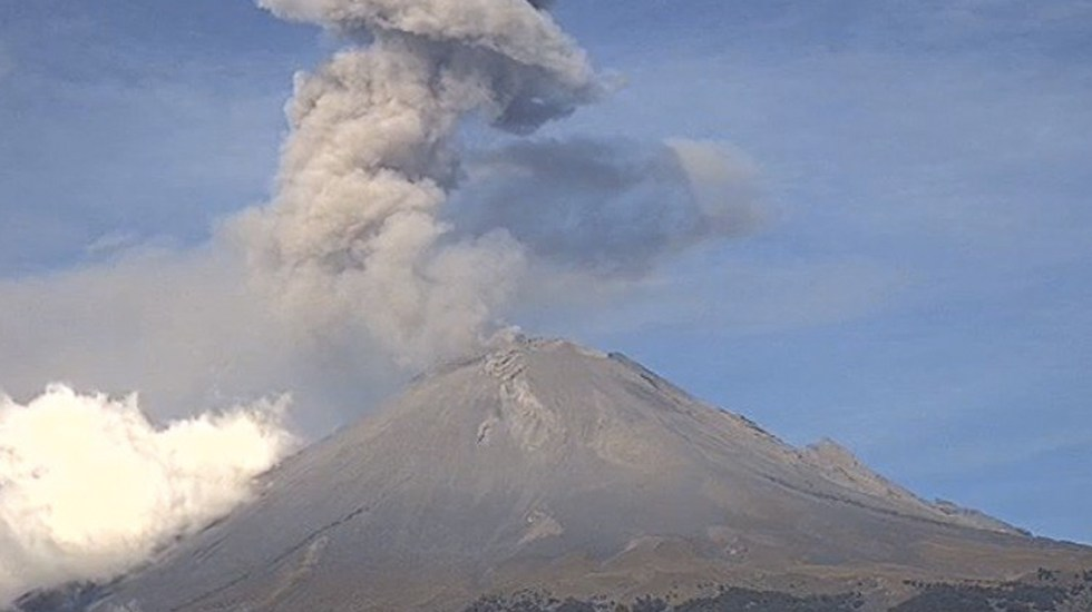 Volcán Popocatépetl emite 234 exhalaciones en las últimas 24 horas - Foto de Webcams de México