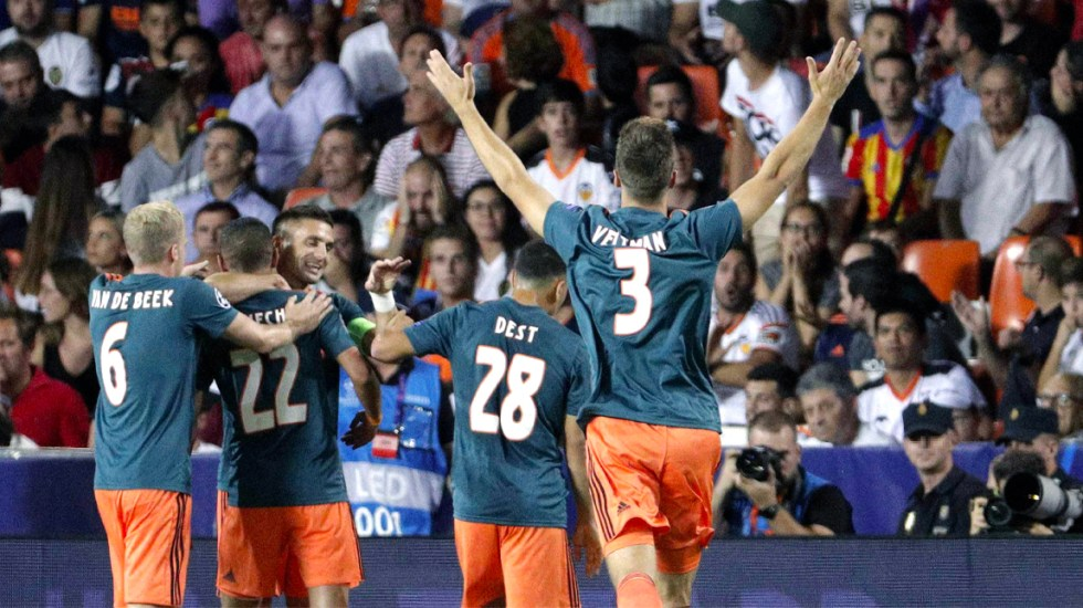 Ajax vence con autoridad al Valencia en Champions League - Ajax vence al Valencia en la Champions