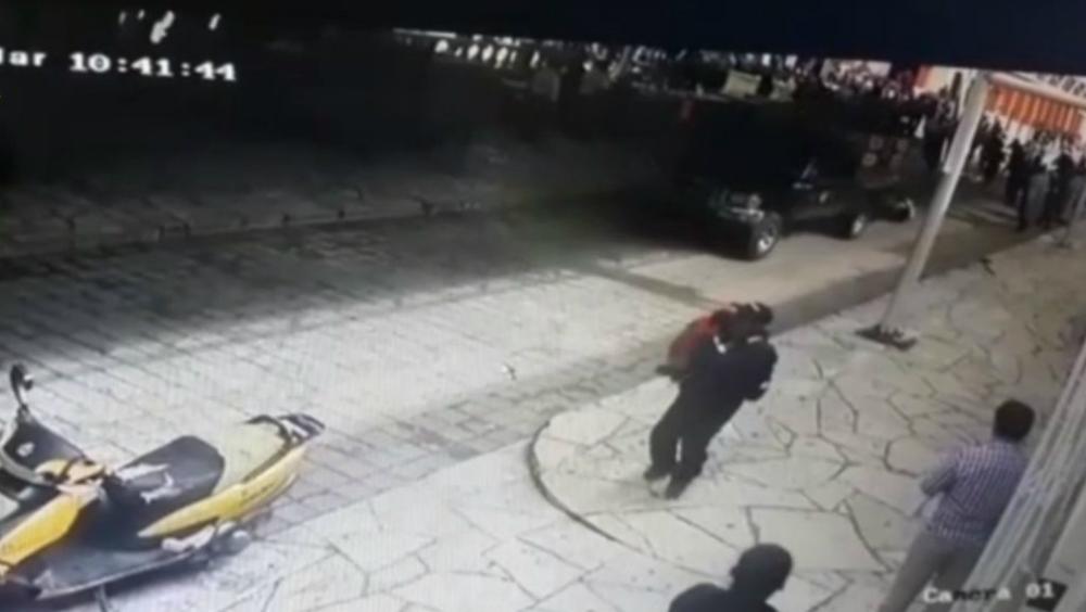 Amarran a alcalde de Las Margaritas, Chiapas a camioneta y lo arrastran