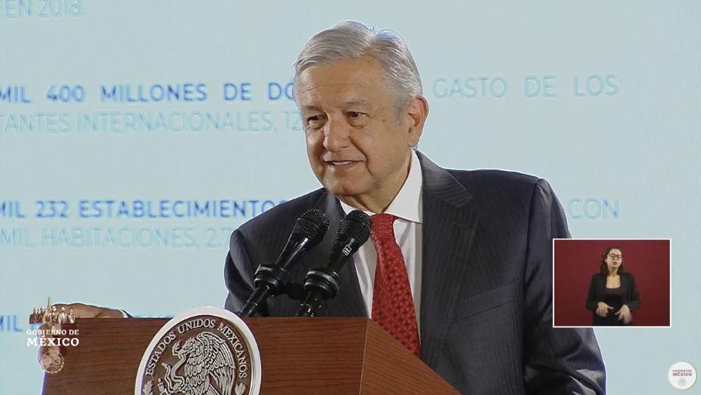 Vamos bien con las inversiones en el sector turístico: López Obrador - amlo confe turismo