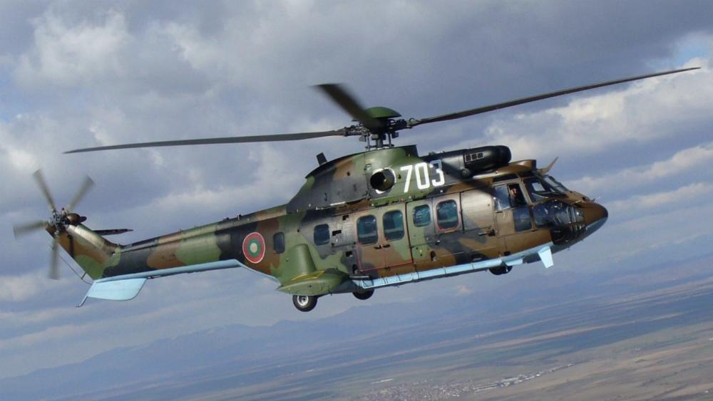 Helicóptero militar trasladará restos de Francisco Franco - Foto de @DCarrionF