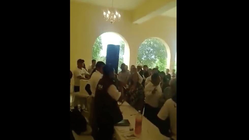 #Video Gritos en asamblea distrital de Morena en el Estado de México - Captura de pantalla