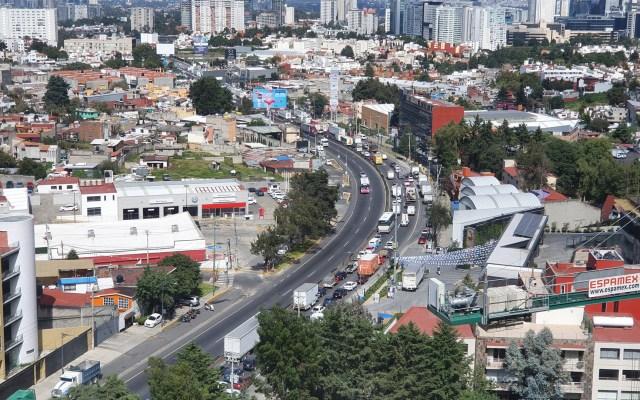 Taxistas liberan la México-Toluca - Bloqueo de la carretera México-Toluca. Foto de @gabosalazar21
