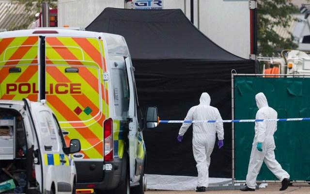 Encuentran en Inglaterra 39 cadáveres en contenedor de camión - Foto de EFE