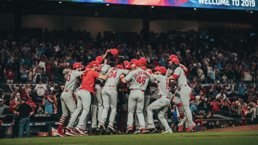 Cardenales destrozan a Bravos y jugarán la Serie de Campeonato de la Nacional - Foto de @MLB