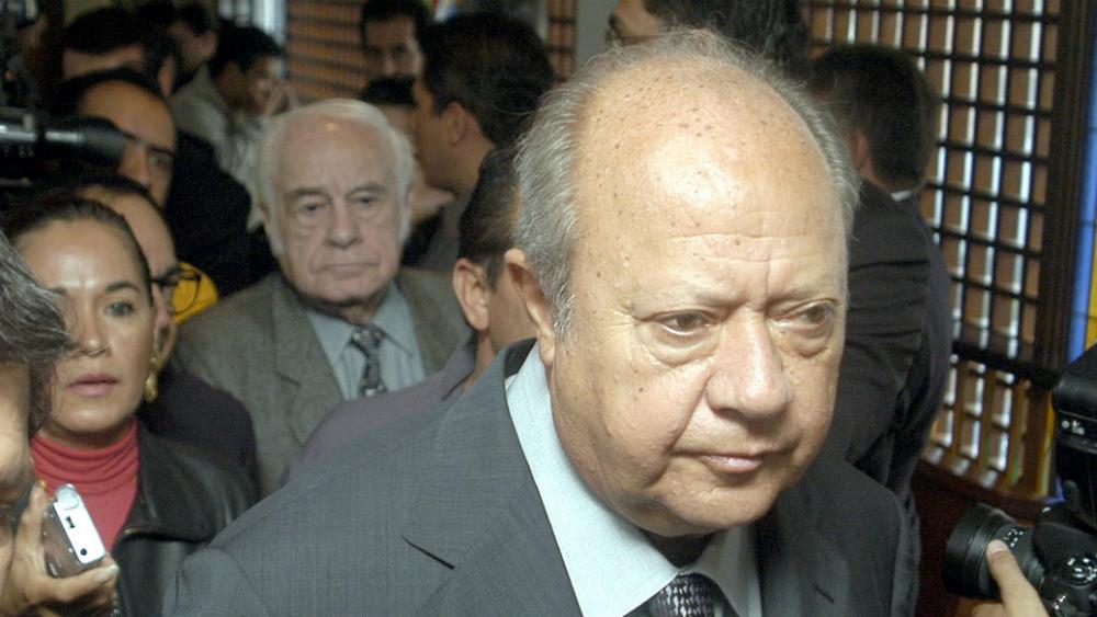 Carlos Romero Deschamps renuncia al Sindicato Petrolero; UIF interpone denuncia - Foto de Notimex