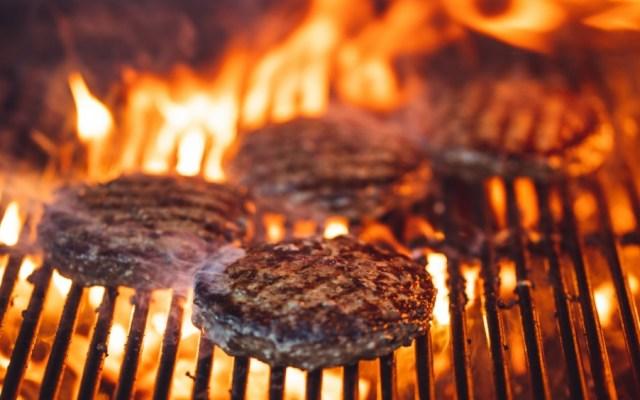 Carne para hamburguesa contiene soya y piel de pollo: Profeco - carne hamburguesa
