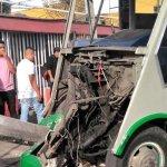 Choque de microbús en Iztapalapa deja cinco menores lesionados