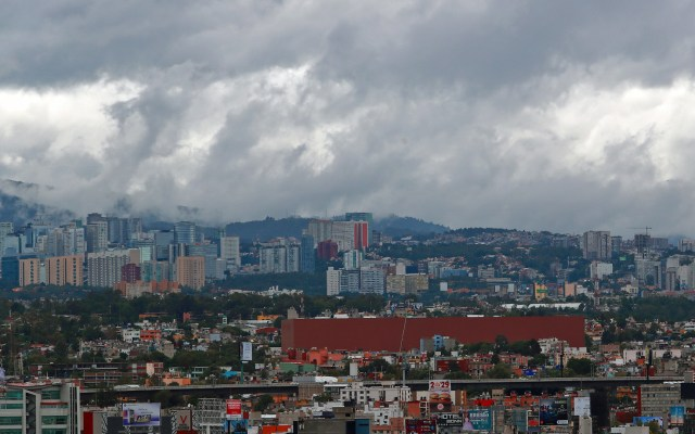 BofA y Moody's advierten preocupación para inversión a largo plazo en México - Cielo nublado en el Valle de México. Foto de Notimex