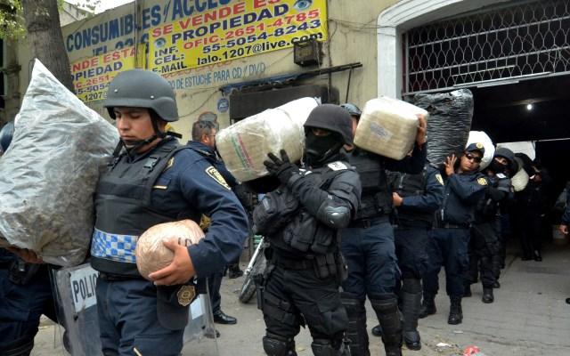 Investigan 42 cráneos encontrados durante cateo en predio de la Morelos - Droga decomisada en vecindad de la colonia Morelos. Foto de EFE