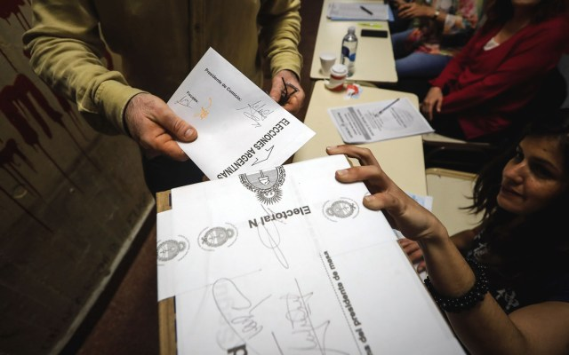 Argentina decide su regreso al peronismo - Elecciones en Argentina. Foto de EFE