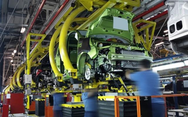 PIB de México creció solo 0.1% en tercer trimestre de 2019; se contrae 0.4% en comparación anual - Empresa automotriz. Foto de Archivo Notimex.