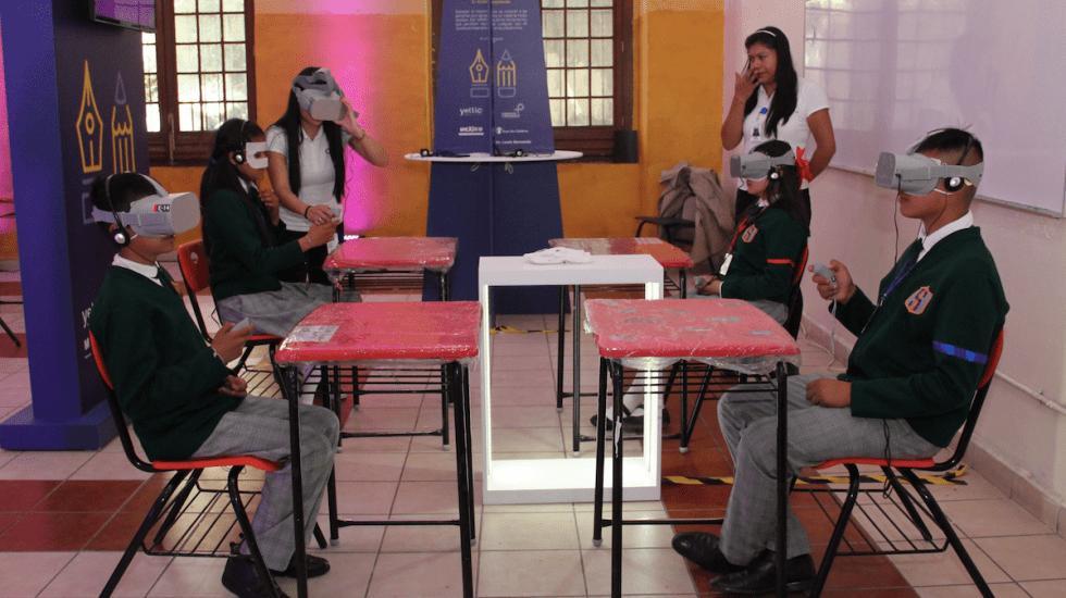 Facebook y SEP firman convenio para combatir bullying con realidad virtual - Foto de SEP