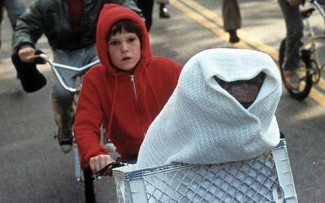Detienen a protagonista de 'E.T.' por manejar alcoholizado - Foto de Daily Express