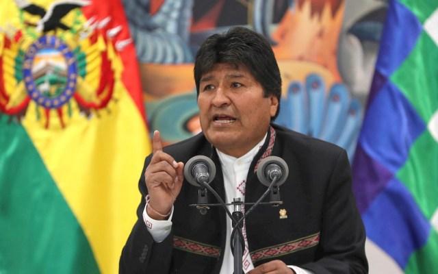 """Gobierno de México felicita a Evo Morales """"por su victoria"""" en las elecciones de Bolivia - El presidente de Bolivia, Evo Morales, en una comparecencia hoy miércoles ante los medios en La Paz tras dos días de protestas en el país por la sospecha de un fraude electoral a su favor. Foto de EFE/Martin Alipaz"""
