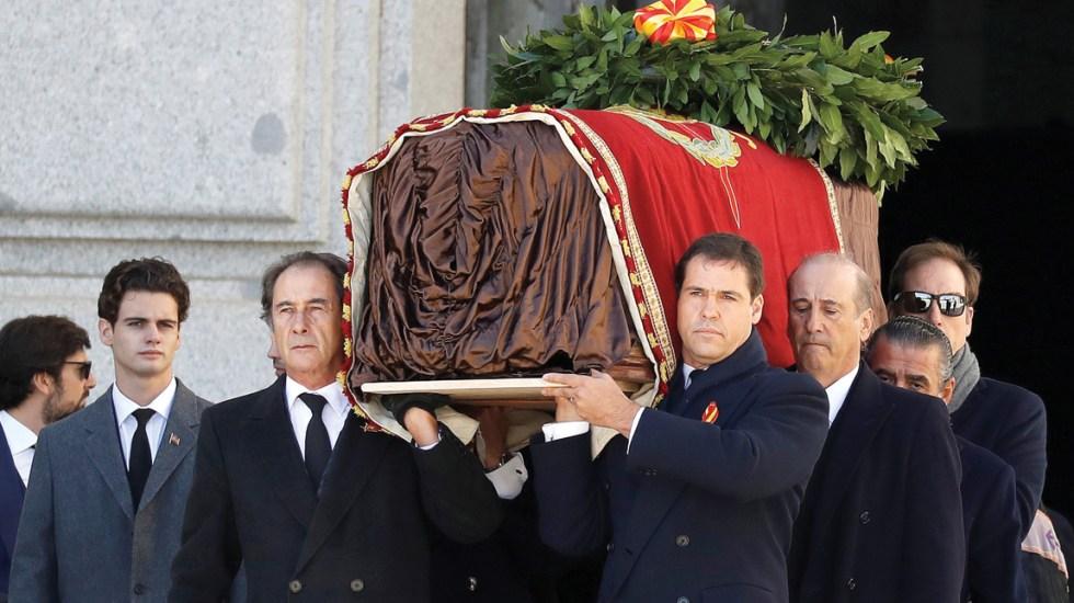 Exhuman restos de Francisco Franco del Valle de los Caídos - Foto de EFE