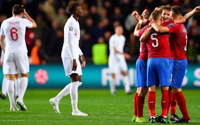 República Checa le da la vuelta a Inglaterra rumbo a la Euro - Inglaterra pierde contra la República Checa