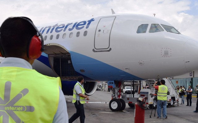 Intentan asaltar hangar de Interjet en Aeropuerto de Toluca - Avión de Interjet en AIT. Foto de @AIT_MX