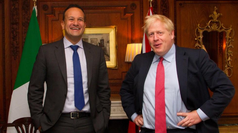 """Irlanda ve """"posible"""" un acuerdo del """"brexit"""" antes del 31 de octubre - Primer ministro irlandés, Leo Varadkar, con su homólogo del Reino Unido"""