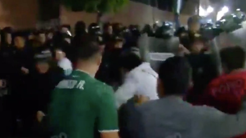 Enfrentamiento en Iztapalapa tras casos de abuso sexual en primaria - Iztapalapa enfrentamiento primaria