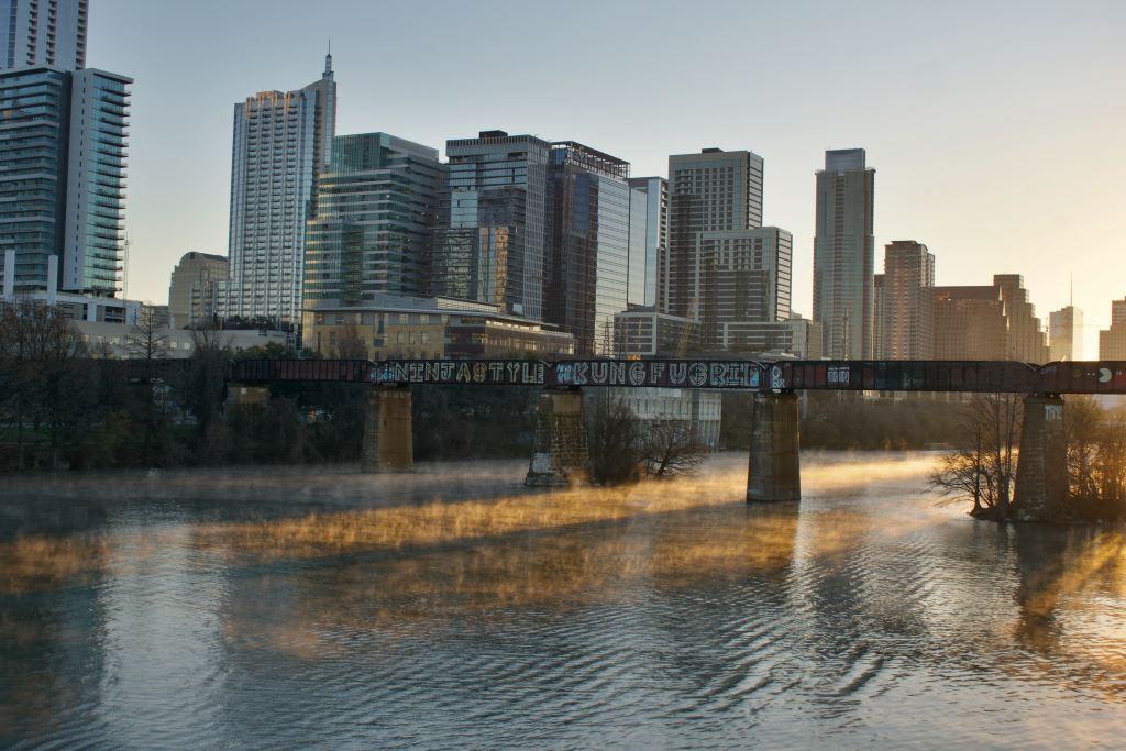 Aprueban más de 1.5 mdd para crisis de indigentes en Austin, Texas - Photo by joe wyatt on Unsplash