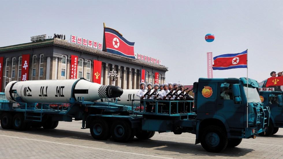 Corea del Norte realiza ensayo con lanzacohetes múltiple - Foto de EFE