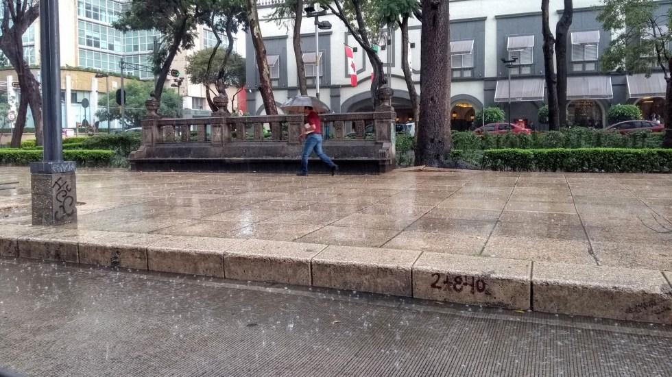 Continuarán lluvias por la tarde en el Valle de México - Lluvia en la Ciudad de México. Foto de López-Dóriga Digital