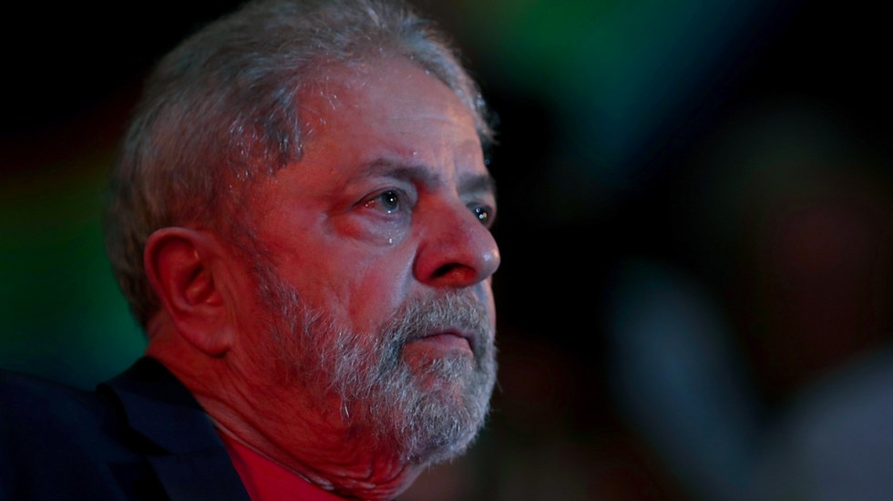 """""""Está suelto, pero con todos sus crímenes sobre la espalda"""": Bolsonaro sobre liberación de Lula - Lula da Silva"""