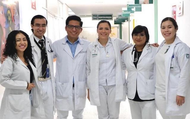 IMSS prevé sumar 10 mil plazas nuevas en 2020 - Médicos del IMSS. Foto de @IMSSmx